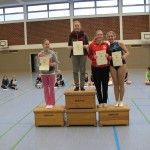 """Kreismeisterin """"96 und älter"""" Rebecca Hainke"""